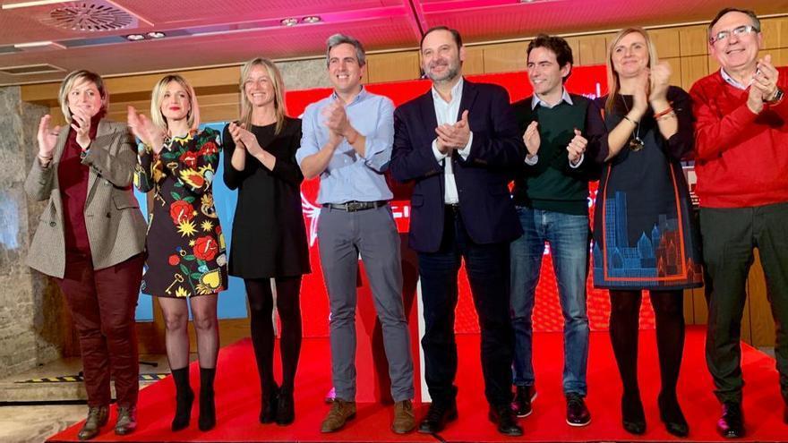 Ábalos reafirma en Santander su compromiso con el estudio del tren a Bilbao