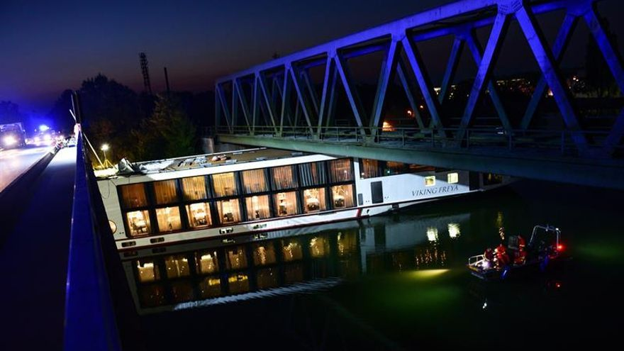 Dos muertos al chocar un crucero con un puente en el canal Meno-Danubio en Alemania