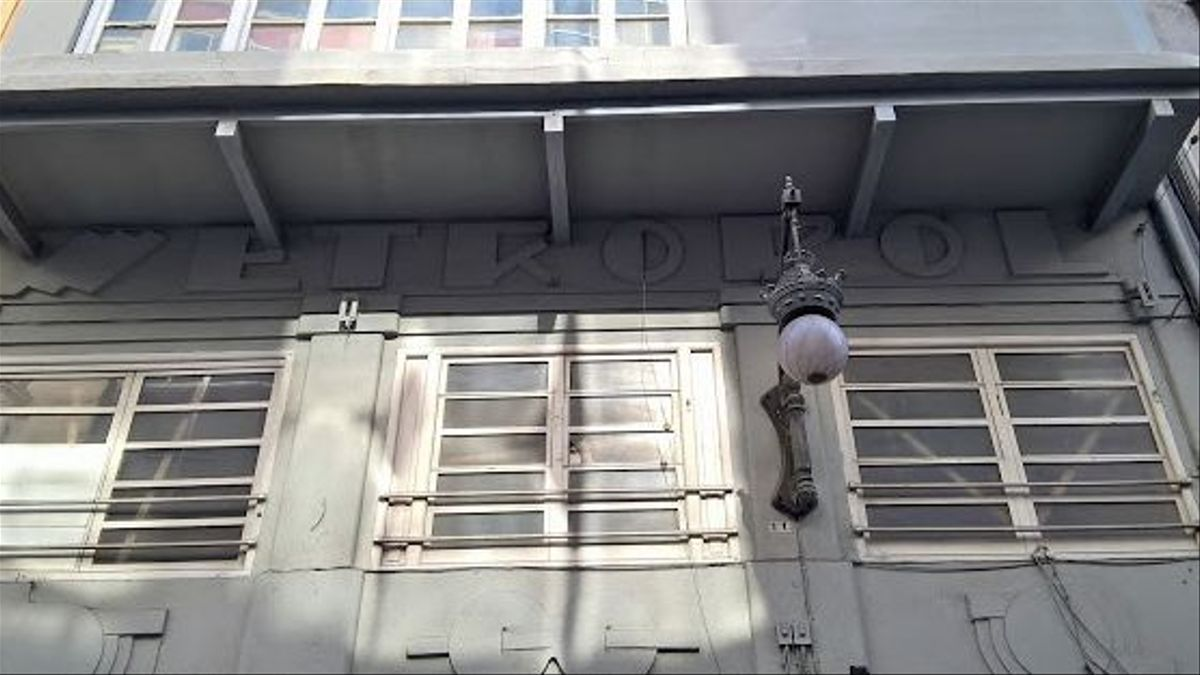 Edifici de l'antic cinema Metropol, a València.