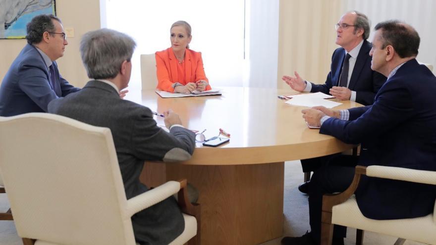 Primera reunión sobre el pacto por la regeneración propuesto por Cifuentes. / Comunidad de Madrid