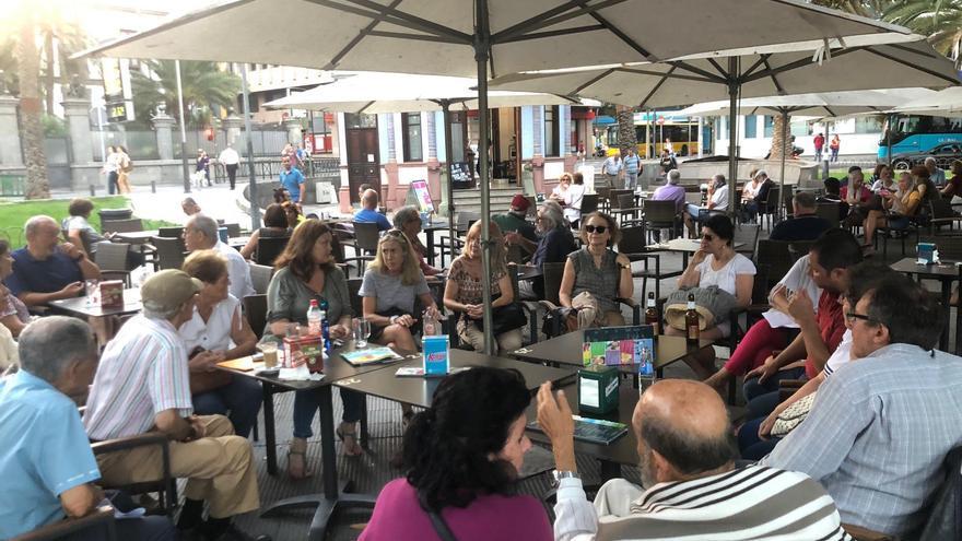 Reunión de presidentas y presidentes de las asociaciones de vecinos de Las Palmas de Gran Canaria. :: Diario de Lanzarote