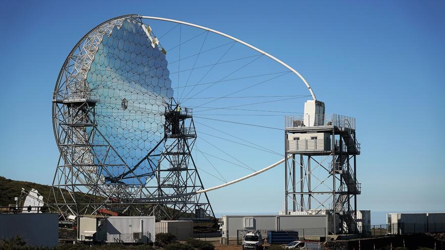 El Telescopio LST-1 en el Observatorio del Roque de Los Muchachos (ORM), en Garafía. Crédito:  Iván Jiménez Montalvo.