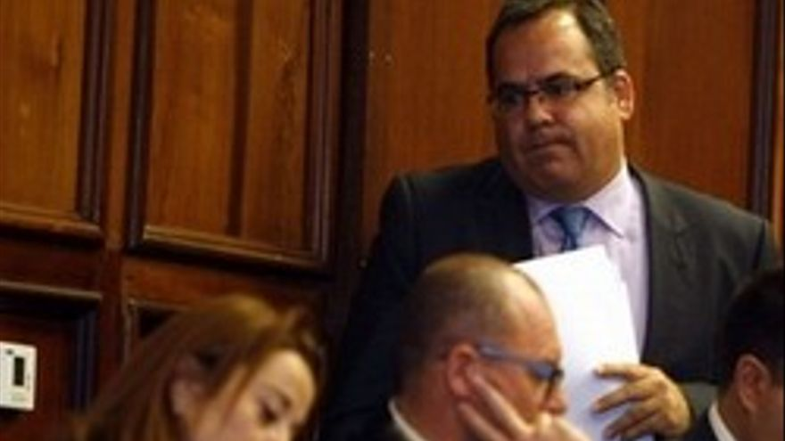 El CCN pide a Domínguez que devuelva el acta