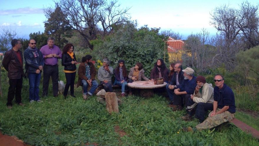 En la imagen, reunión con los vecinos de Buracas, en Garafía.