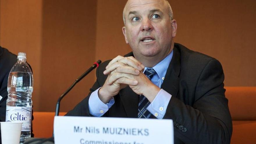 El comisario de DDHH recuerda a España que las devoluciones inmediatas son ilegales