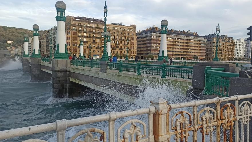Olas en San Sebastián