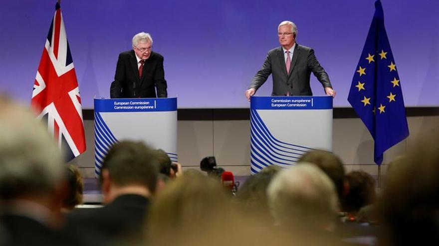 """El Reino Unido y la UE avanzan en la negociación del """"brexit"""" tras el impulso de May"""
