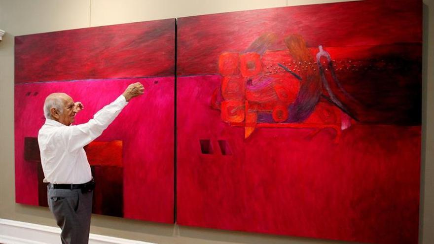 El Cervantes y Vargas Llosa homenajean al pintor peruano Fernando de Szyszlo