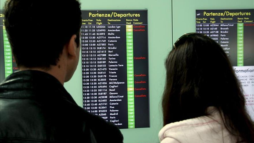 El aeropuerto de Fiumicino, en Roma, cerrado hasta las 12:00 GMT por un incendio