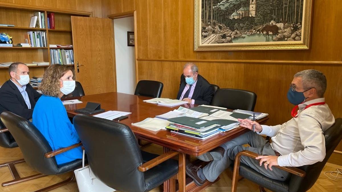 La consejera para la Transición Ecológica y Sostenibilidad, Olga García, junto al secretario de Estado de Medio Ambiente, Hugo Morán