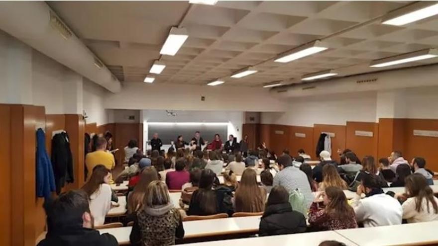 Alumnos de la Universidad de Alicante.