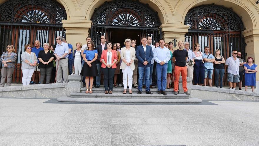 """Alcalde de Getxo reivindica """"la libertad de las mujeres para poder moverse libremente"""" en fiestas y espacios públicos"""