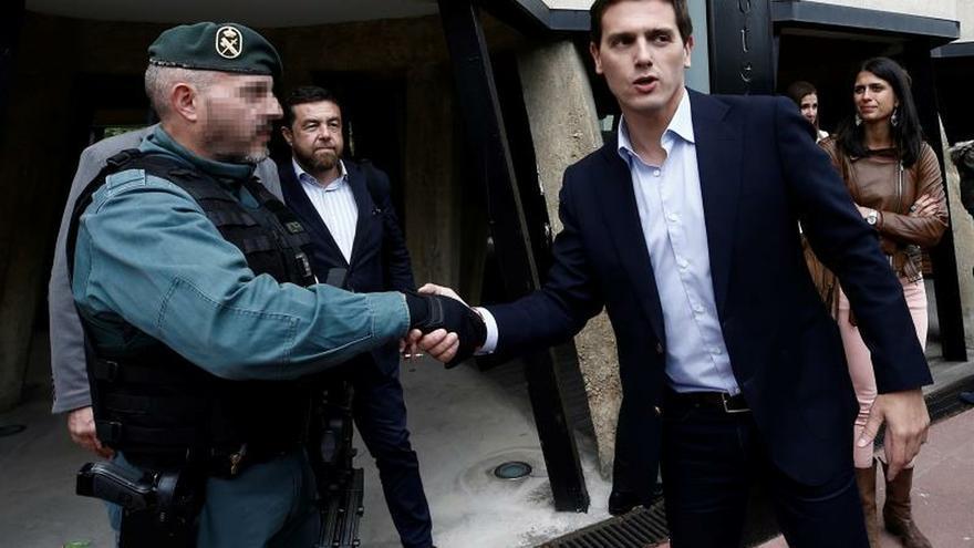 Rivera afirma que si el PSOE gana en Navarra, se la entregará al nacionalismo