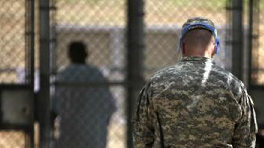 EEUU dictamina que 75 de los 233 presos de Guantánamo sean liberados