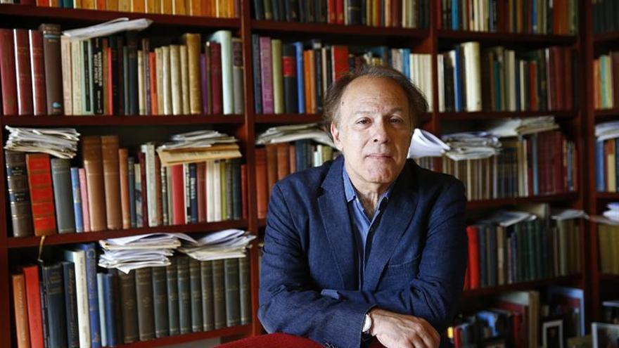 """Javier Marías termina su nueva novela, """"Berta Isla"""", la crónica de una espera"""