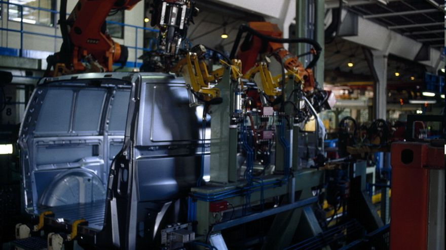Fabricación de la furgoneta Vito en las instalaciones de Mercedes, en Vitoria.