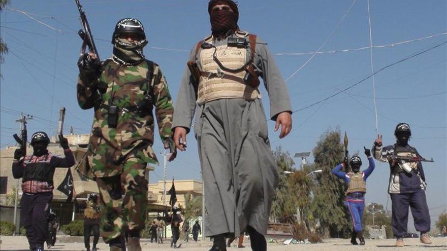 Al menos 21 soldados iraquíes mueren en ataques yihadistas en Al Anbar