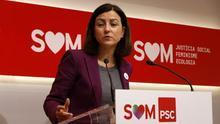 La portavoz del PSC, Eva Granados, durante la rueda de prensa de este lunes en la sede del partido