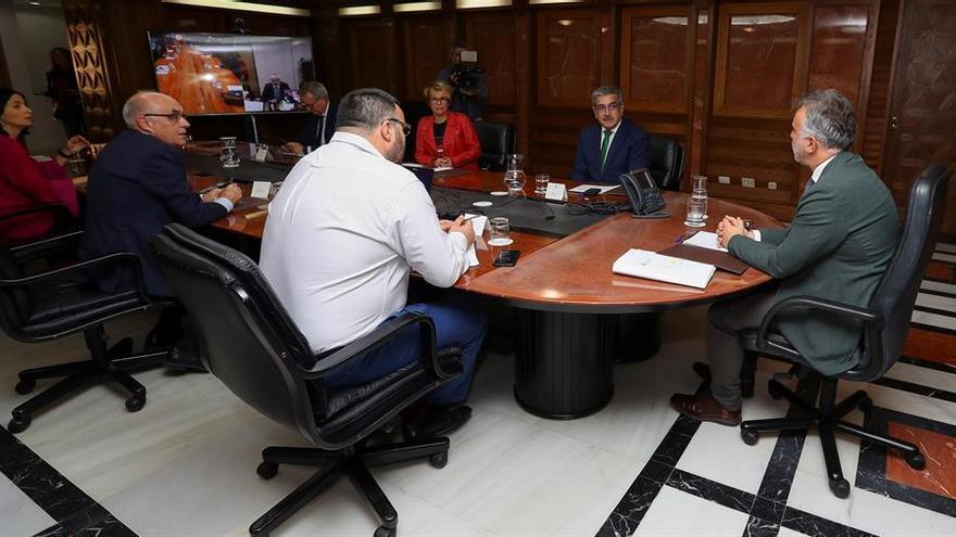 Reunión consejo asesor del presidente del Gobierno de Canarias.