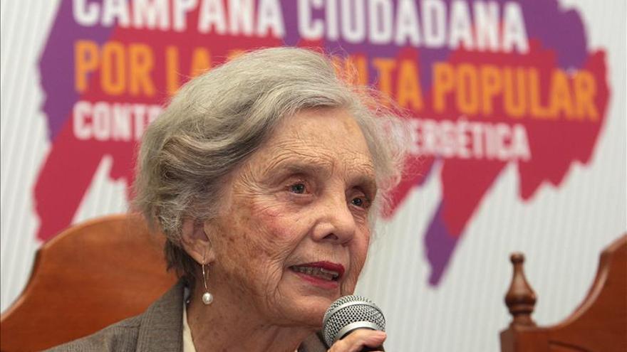 """Elena Poniatowska dice que """"México se está convirtiendo en un infierno"""""""
