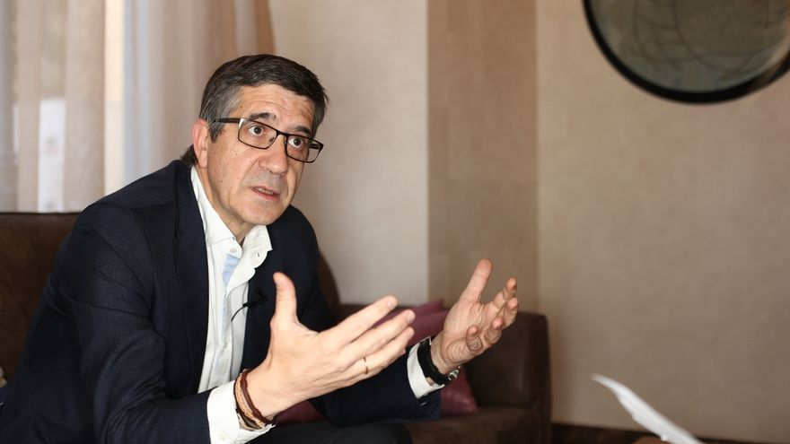 Patxi López acusa a Iglesias de buscar protagonismo con la censura y avisa que Rajoy no debe centrar las primarias