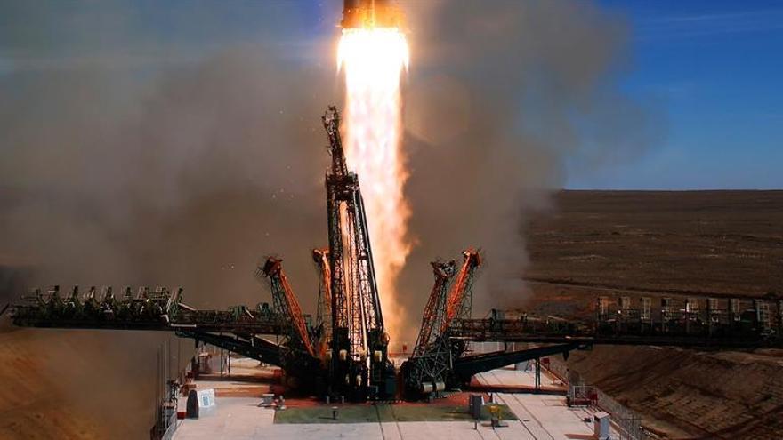 Una colisión entre dos partes del cohete causó la avería de la Soyuz MS-10