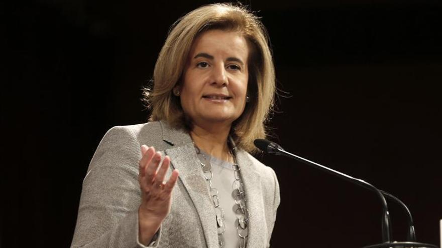 Los sindicatos rechazan, en una carta a Báñez, las subidas del salario mínimo del 1 por ciento