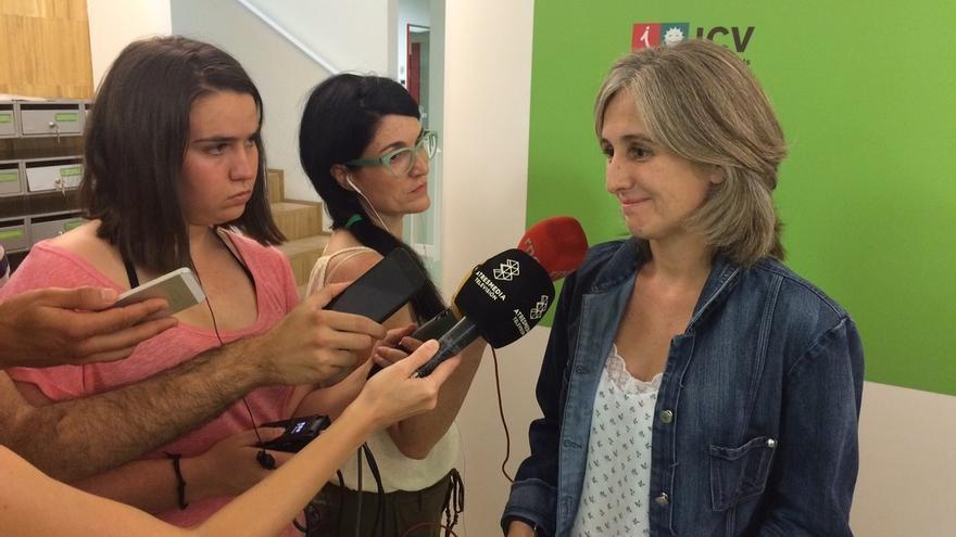 "Camats (ICV) constata el ""cambio de equipo de Romeva"" para hacer a Mas presidente"