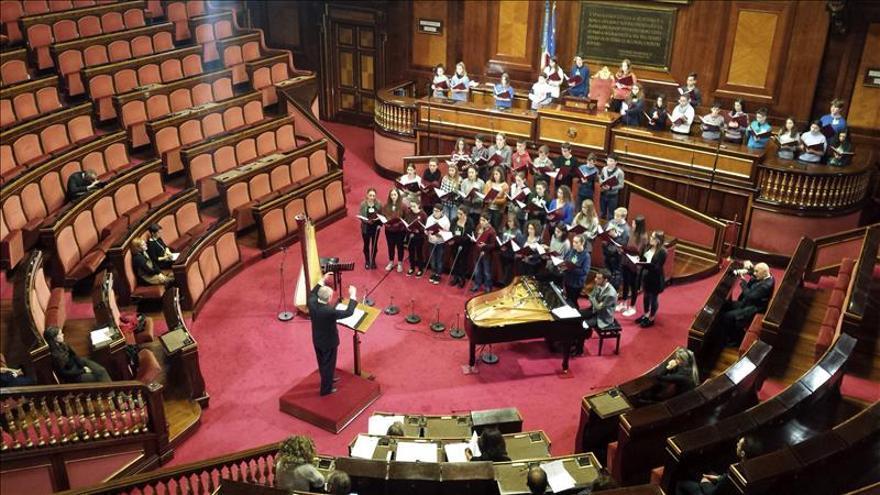 El argentino Sciutto dirige el concierto coral de Navidad del Senado italiano