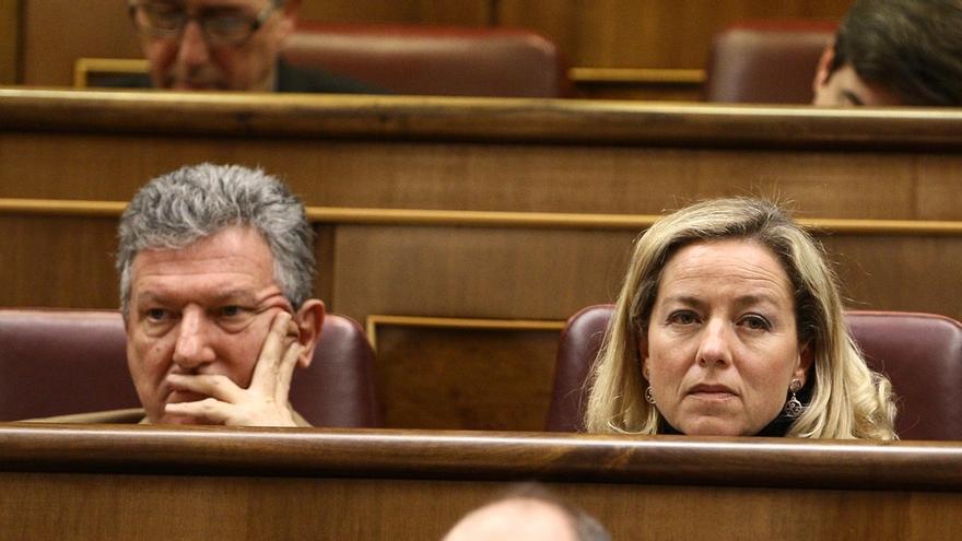 Imagen de archivo de Pedro Quevedo (NC) y Ana Oramas (CC) en el Congreso de los Diputados.