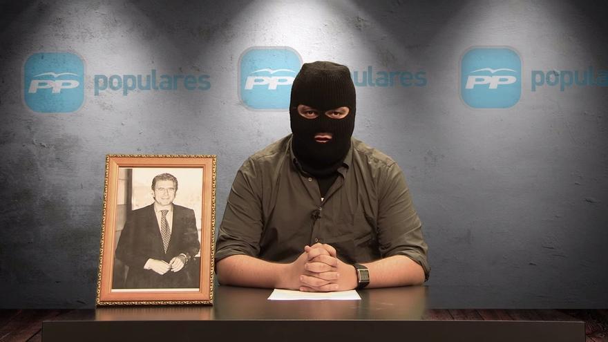 Captura del sketch El PP se disuelve, de Tuerka News.