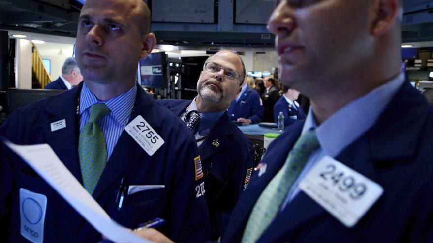 Wall Street baja el 0,12 por ciento en la apertura