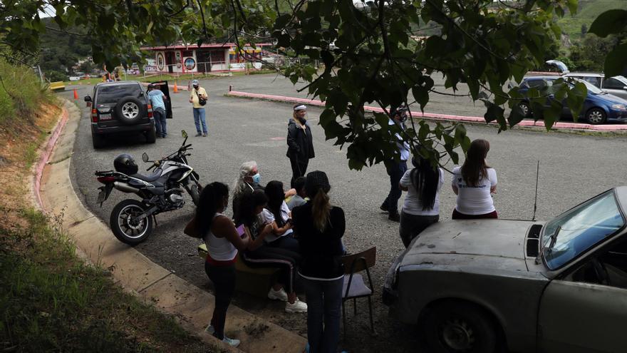 Otros doce opositores salen de prisión en Venezuela tras indultos de Maduro