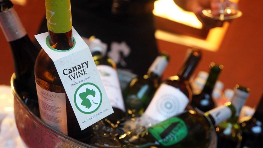 Botellas de vino de la marca 'Canary Wine'