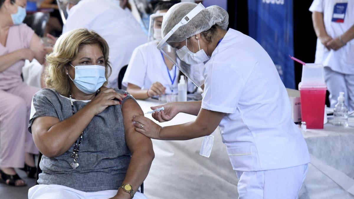 El Plan Estratégico de Vacunación contra la Covid-19 distribuye las dosis en el país.