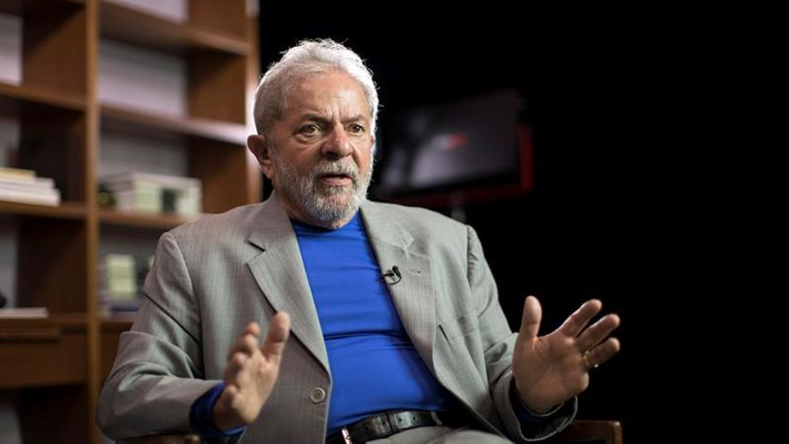 """Lula reafirma su candidatura y denuncia una """"mayoría fascista"""" en el Congreso"""
