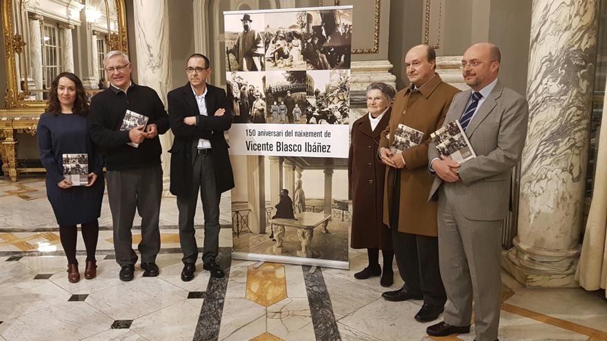 El alcalde de Valencia, Joan Ribó, en el acto de presentación de la biografía de Blasco Ibáñez