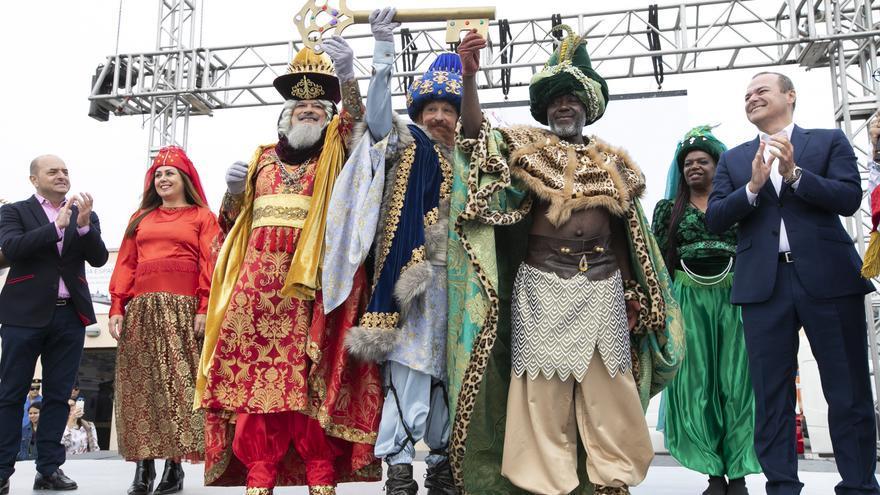 Llegada de Los Reyes Magos a la capital grancanaria.