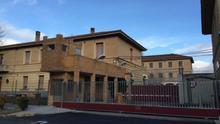 El cuartel Sancho Ramírez triplica su capacidad y brinda servicios sanitarios y educativos a Huesca