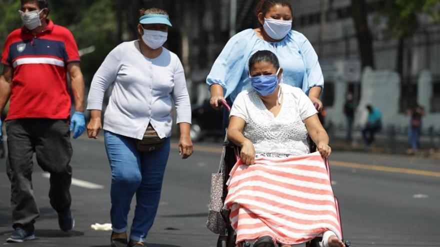 """El sitio oficial del Ministerio de Salud señala que se mantienen 150 casos activos, de los que 105 pacientes se mantienen sin síntomas, 31 tienen pronóstico médico """"estable"""", 6 """"moderado"""", 7 """"grave"""" y 1 """"crítico""""."""