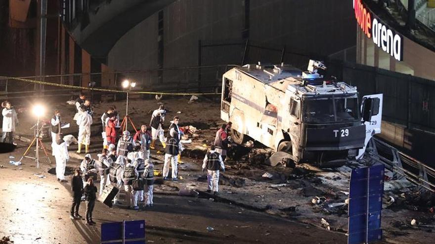El ministro del Interior turco informa de 29 muertos y 166 heridos en el doble atentado