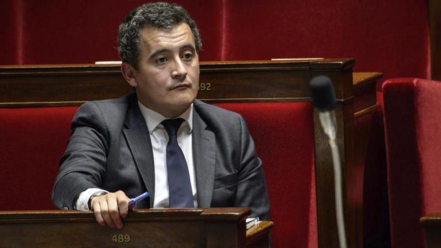 La derecha francesa pide la dimisión del ministro investigado por violación