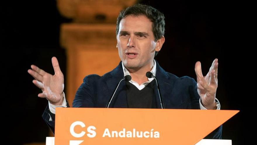 """Rivera cree """"una vergüenza"""" que Torra apoye a los CDR mientras """"purga"""" a los Mossos"""