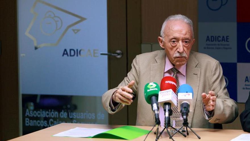 Manuel Pardos, presidente de Adicae, en una comparecencia pública
