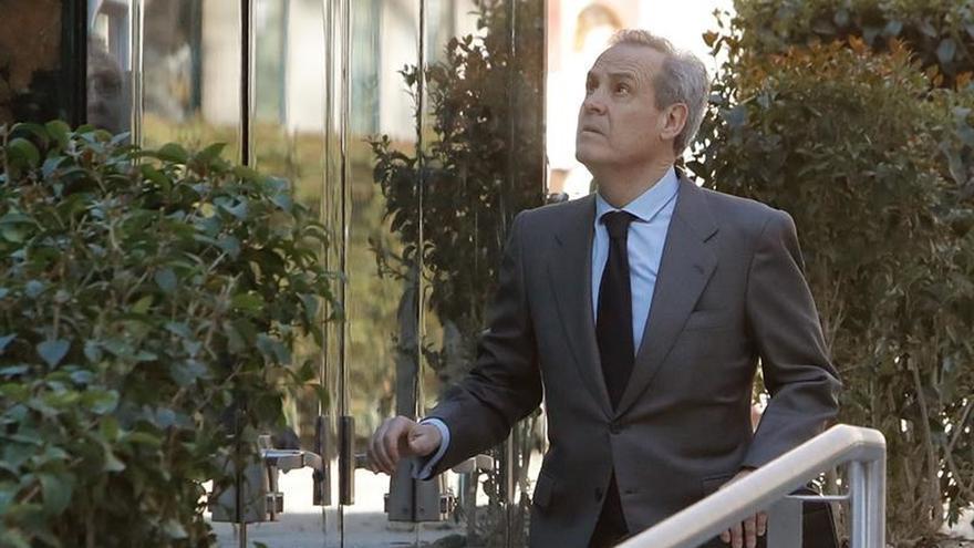 El exdirector del Banco de España cree que Bankia se tapó las espaldas con 19.000 millones