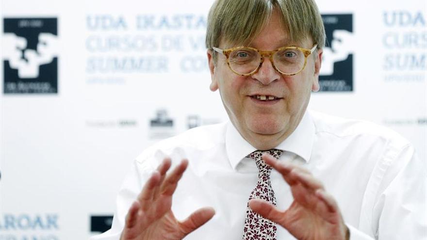 """Verhofstadt habla de estatus especial para Irlanda del Norte tras """"brexit"""""""