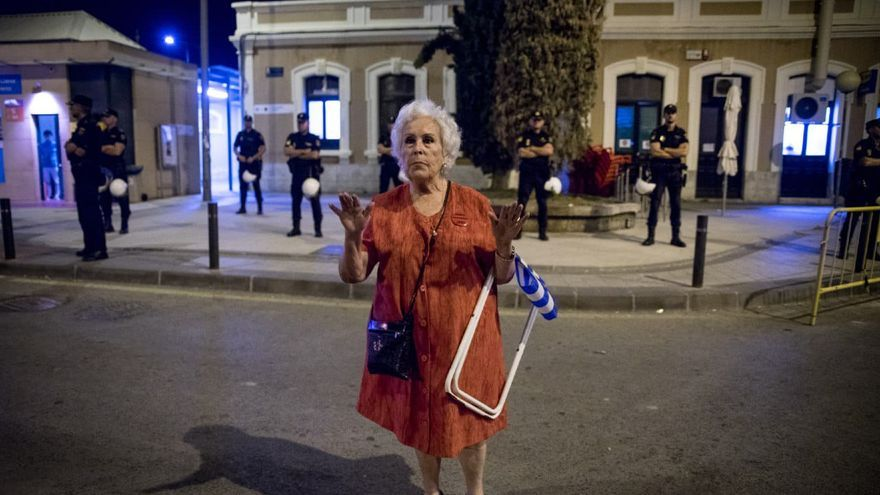 """Ana Jiménez Meseguer, conocida como """"la abuela de las vías"""", es una de las protagonistas de la exposición fotográfica #404"""