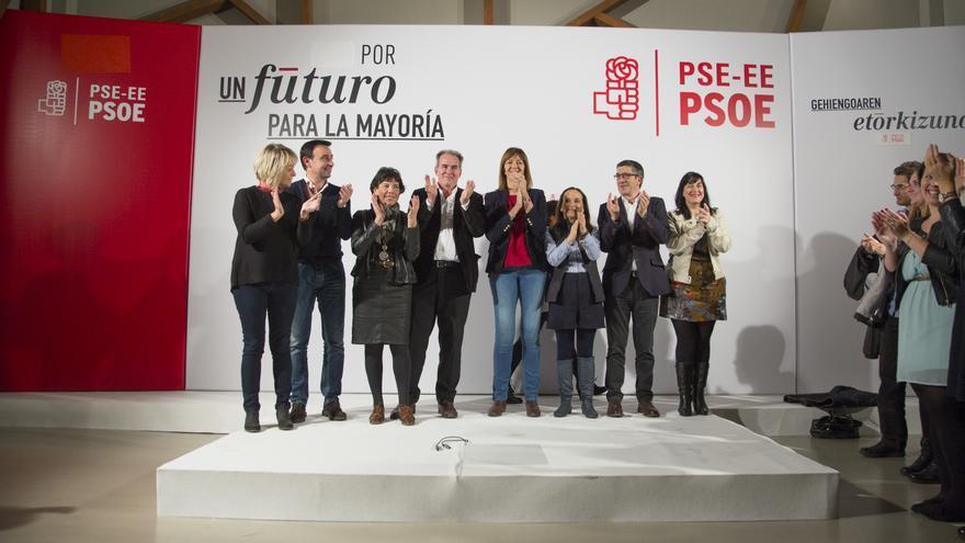 Inicio de la campaña del PSE, con los candidatos y la líder socialista Idoia Mendia.