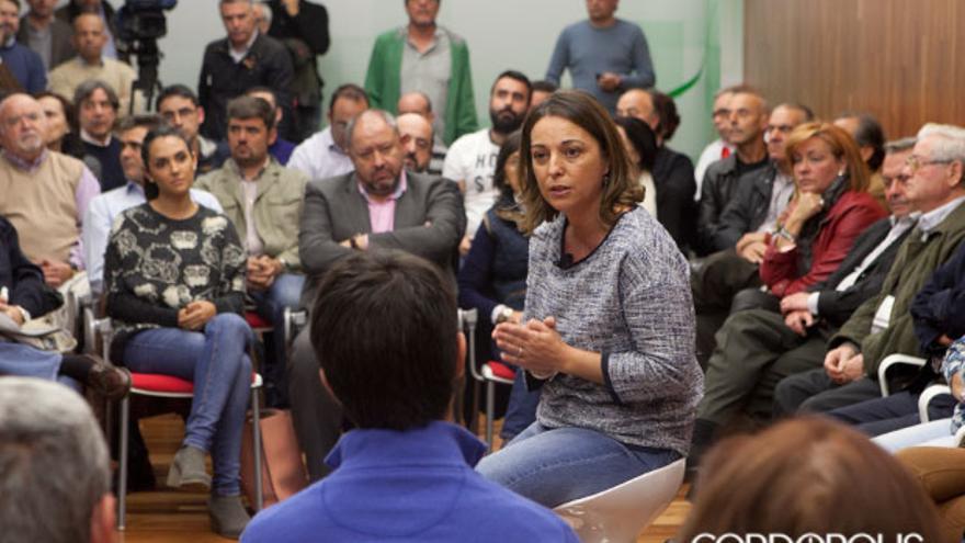 Ambrosio, junto a militantes del PSOE, en un reciente encuentro | MADERO CUBERO