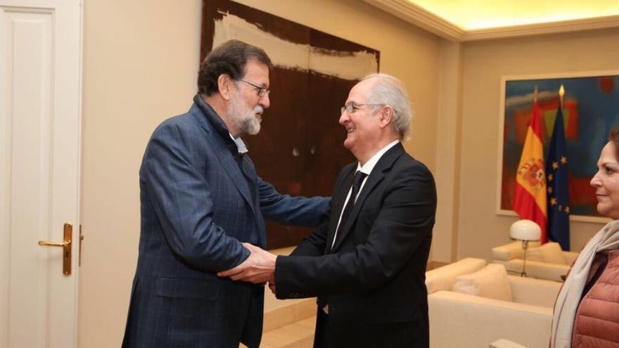Rajoy, reuniéndose con Ledezma. Foto: Twitter
